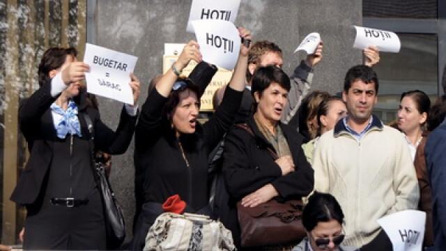 PSD se declara solidar cu protestele de la finante. PDL are niste banuieli