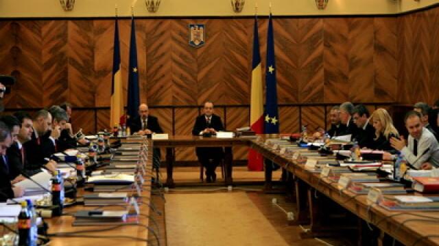 Proiectul de buget pe 2011, trimis la Parlament. Vezi de unde se taie