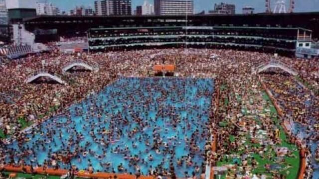 Chinezii au copiat pana si Marea Moarta. Vezi cum arata cea mai aglomerata piscina din lume