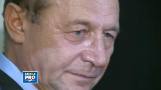 VIDEO. Traian Basescu, cu ochii in lacrimi, atunci cand i-a adus un ultim omagiu lui Ion Diaconesu