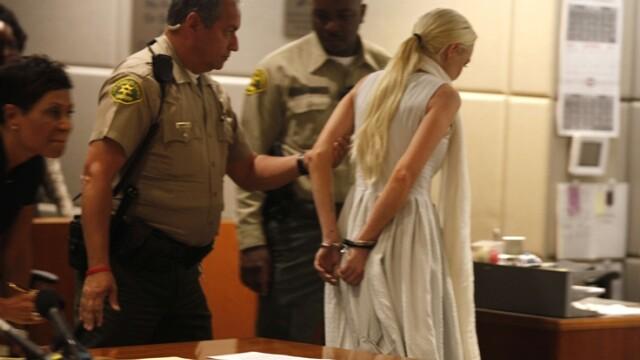 Lindsay Lohan pozeaza pentru Playboy. FOTO - Imaginea 4