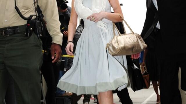 Lindsay Lohan pozeaza pentru Playboy. FOTO - Imaginea 2