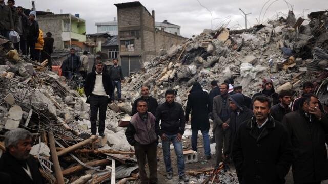 Mediafax FOTO - Cutremurul din Turcia - 3
