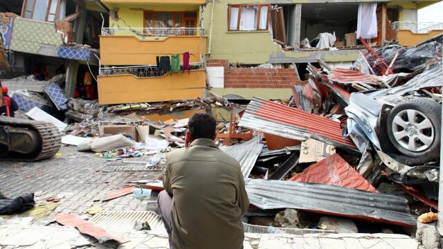 Mediafax FOTO - Cutremurul din Turcia - 7