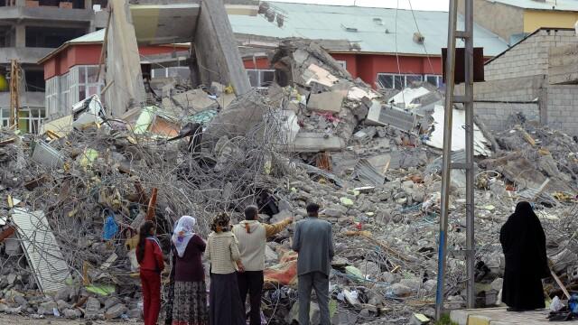 Mediafax FOTO - Cutremurul din Turcia - 8