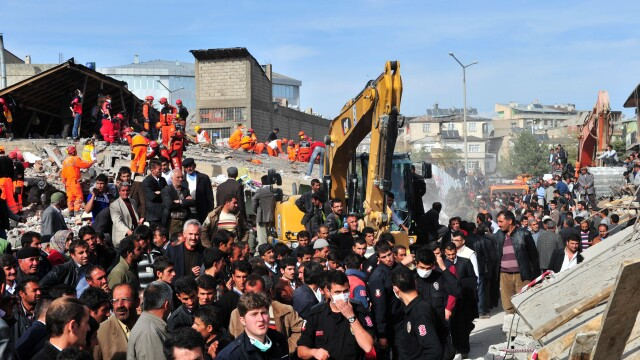 Mediafax FOTO - Cutremurul din Turcia - 11