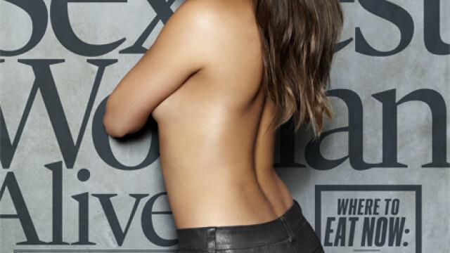 Actrita Mila Kunis a fost desemnata cea mai sexy femeie in viata de revista Esquire. Galerie FOTO - Imaginea 4