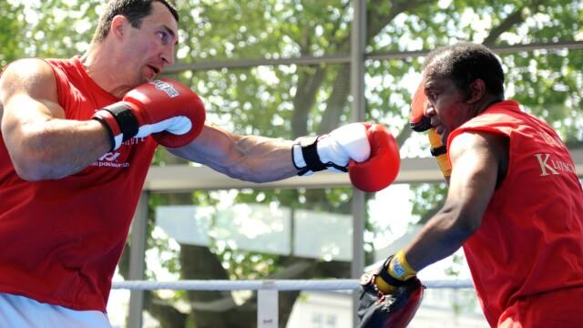A murit Emanuel Steward, unul dintre cei mai mari antrenori din istoria boxului