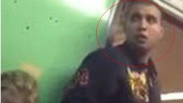 Inregistrarea care l-a bagat la puscarie. Ce ii face acest barbat unei femei in metrou. VIDEO