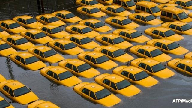 Uraganul Sandy: 40 de victime in New York. Autoritati: orasul ar putea fi INVADAT de sobolani - Imaginea 41