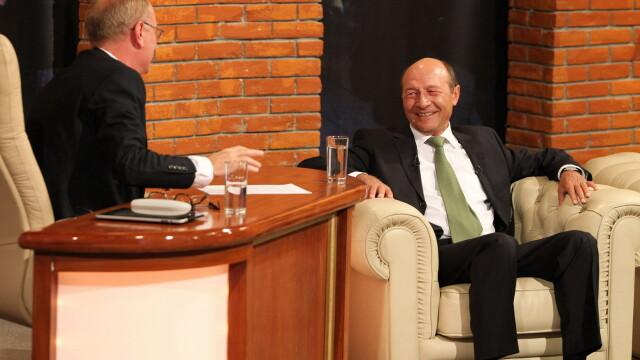 Traian Basescu la Serviciul Roman de Comedie (2013) - 8