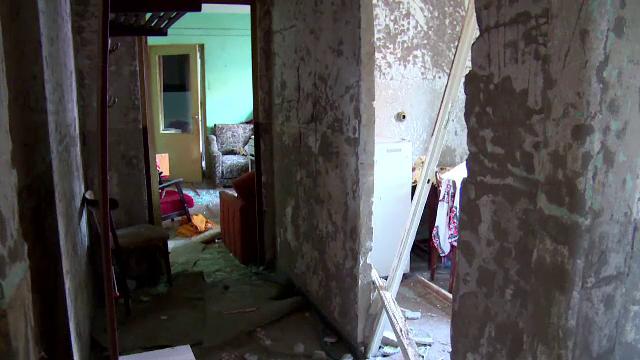 bloc distrus de explozie, Fieni