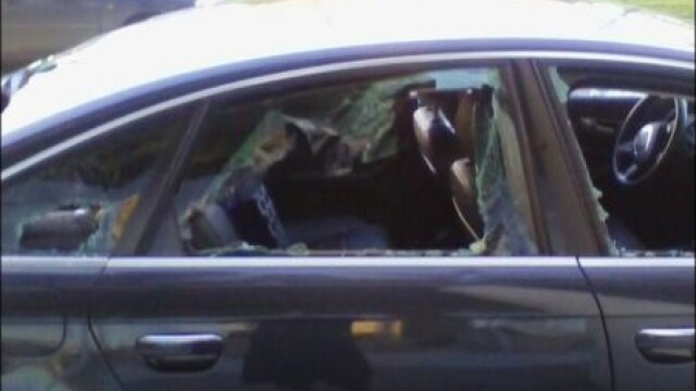 Ce s-a intamplat cu masina a carei alarma a sunat o noapte intreaga. GALERIE FOTO - Imaginea 3
