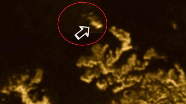 Aparitie misteriosa intr-un ocean. Formatiunea cu aspect de insula apare, se deplaseaza si dispare sub ape. VIDEO