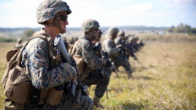 """Soldatii romani au respins un """"ATAC"""" impreuna cu puscasii marini. GALERIE FOTO: cum ne apara aliatii nostri din NATO - Imaginea 12"""