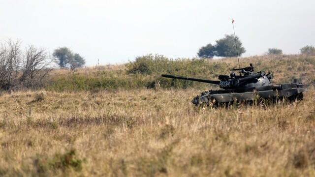 """Soldatii romani au respins un """"ATAC"""" impreuna cu puscasii marini. GALERIE FOTO: cum ne apara aliatii nostri din NATO - Imaginea 10"""