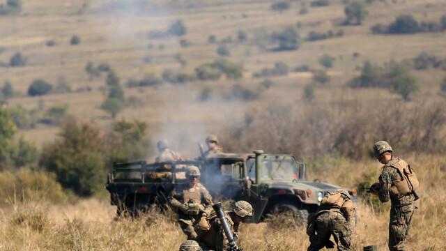 """Soldatii romani au respins un """"ATAC"""" impreuna cu puscasii marini. GALERIE FOTO: cum ne apara aliatii nostri din NATO - Imaginea 9"""