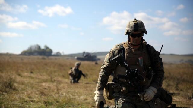 """Soldatii romani au respins un """"ATAC"""" impreuna cu puscasii marini. GALERIE FOTO: cum ne apara aliatii nostri din NATO - Imaginea 4"""
