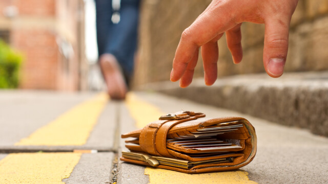 portofel, strada, furt