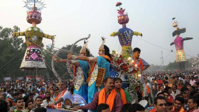 Festival religios cu victime in India. Cel putin 32 de persoane au murit, iar alte zeci au fost ranite