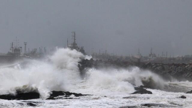 Atacul ciclonului Hudhud. Trei oameni au murit, iar 370.000 de persoane au fost evacuate - Imaginea 3