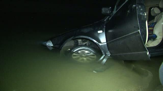 Un barbat a murit dupa ce a ajuns cu masina intr-un canal al Dunarii. Ultimul telefon l-a dat in timp ce se scufunda