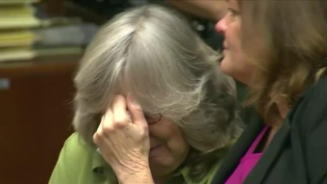O femeie a fost eliberata dupa 17 ani petrecuti pe nedrept in inchisoare. Acum, nu stie nici cum arata un smartphone