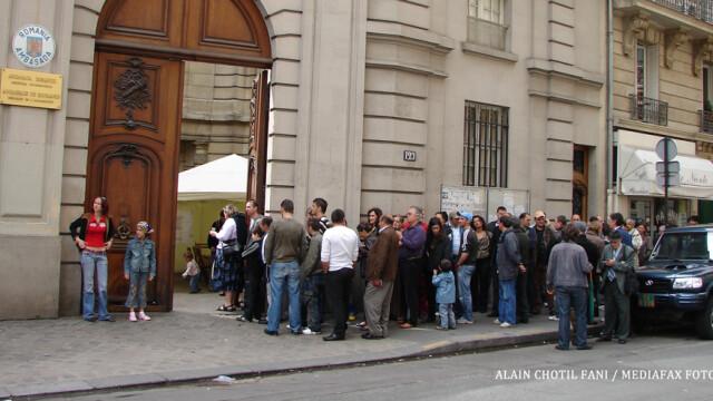 romani care voteaza la ambasada in 2007