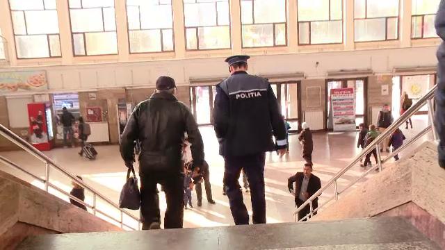 Un politist din Brasov, batut de un adolescent de 18 ani, in gara. Ce explicatie a dat agresorul la sectie