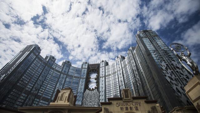 FOTO. Cazinoul de 3,2 miliarde USD inaugurat in China. DeNiro, DiCaprio si Brad Pitt il promoveaza intr-un film de 15 minute - Imaginea 5