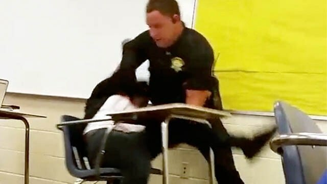 Politistul american care a tarat de gat o eleva intr-o sala de clasa a fost demis. Reactia lui Hillary Clinton. VIDEO