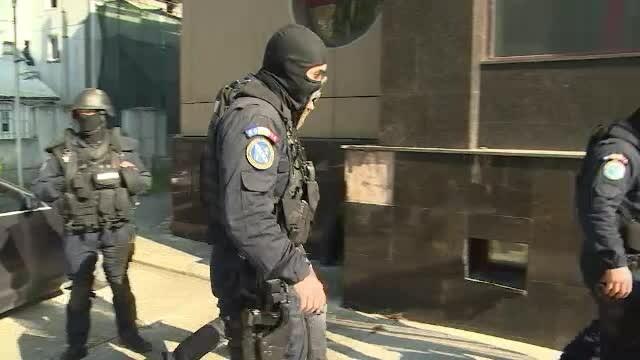 25 de persoane din Sibiu, audiate pentru trafic de persoane si proxenetism. Unde erau obligate fetele sa se prostitueze