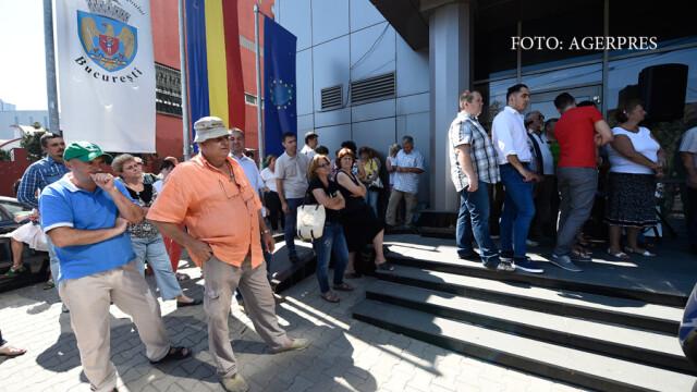 Functionarii vor sa intre in greva generala de la 31 octombrie. Ei cer vouchere de vacanta si acordarea normei de hrana