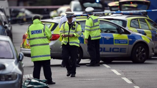 Șase membri ai unei grupări neonaziste, arestați sub suspiciunea de terorism