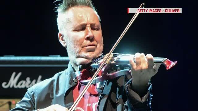 Faimosul violonist britanic Nigel Kennedy revine pentru a sasea oara in Romania. Unde va concerta duminica seara