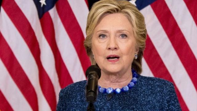 FBI a redeschis cazul e-mailurilor lui Clinton cu 11 zile inaintea alegerilor din SUA. Suporterii lui Trump: \