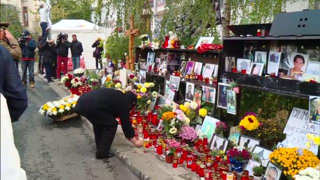 Supravietuitorii si familiile victimelor la marsul Colectiv. \