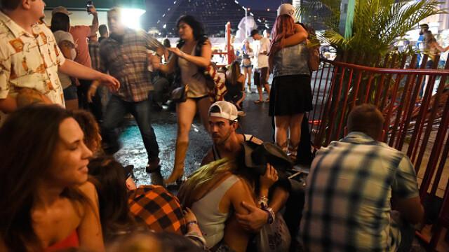 Masacrul din Las Vegas. Cele mai impresionante imagini. GALERIE FOTO - Imaginea 13