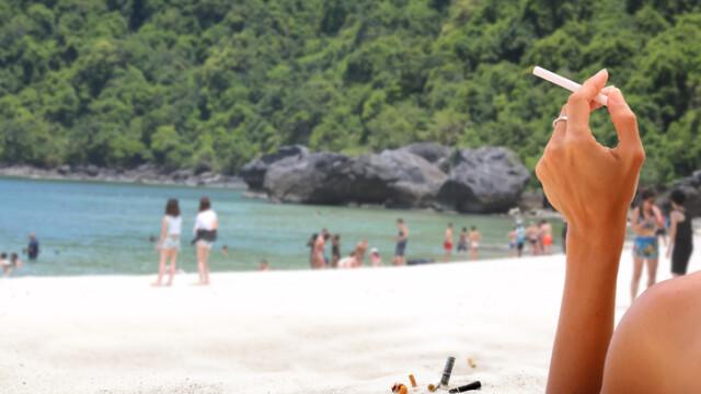 Fumatul va fi interzis pe plajele din Thailanda. Amenzi uriaşe şi închisoare