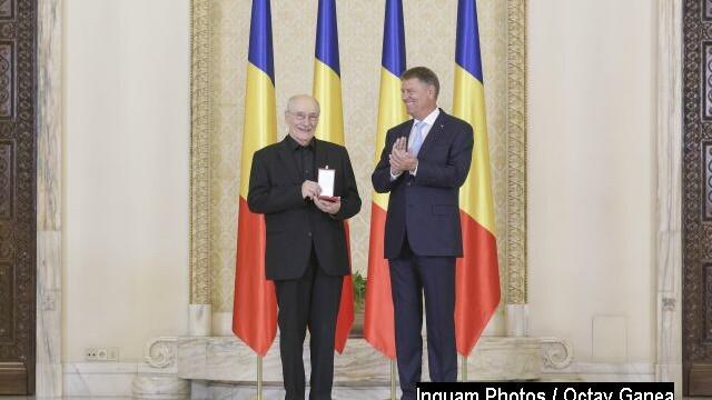 Actorul Victor Rebengiuc a primit Ordinul Steaua României