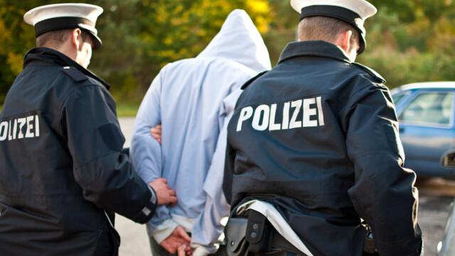 Un azilant afgan din Germania a înjunghiat o gravidă și i-a ucis copilul nenăscut