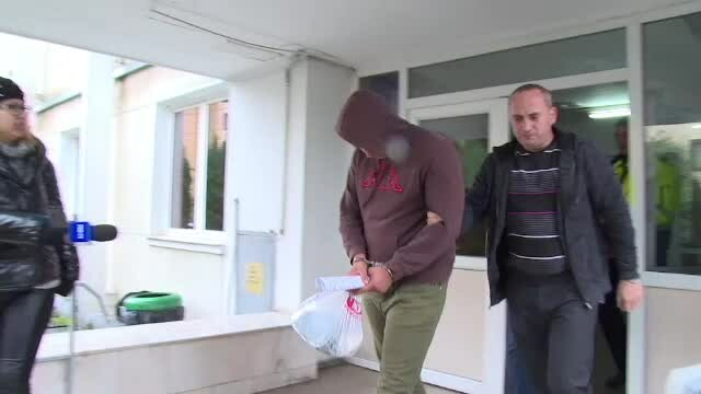 Tânărul care a jefuit un magazin și le-a închis pe vânzătoare în toaletă, reținut