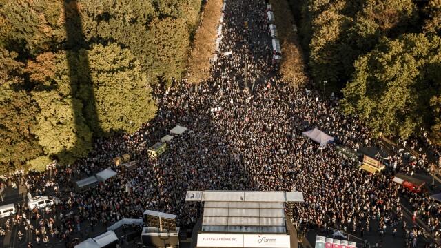 Marș contra rasismului şi xenofobiei cu 240.000 de oameni la Berlin