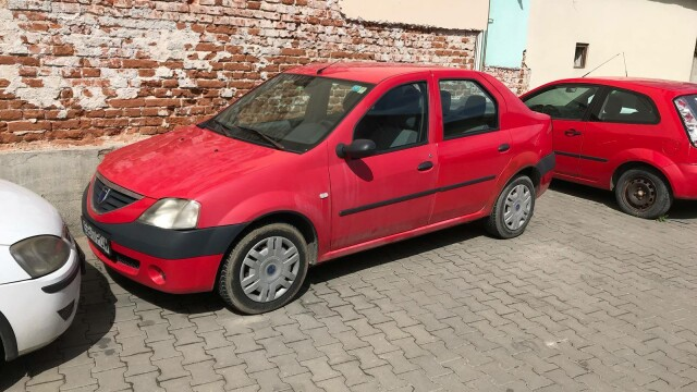 BMW, vândut de Fisc cu 2.804 lei. Cât costă două mașini Dacia Logan. FOTO - Imaginea 3