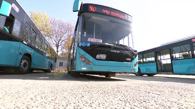 Autobuze noi, turcoaz