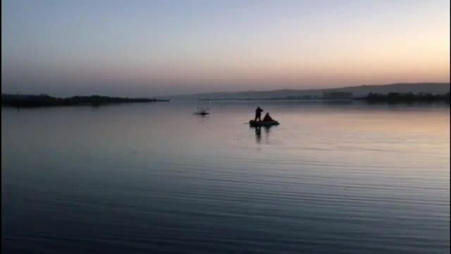 Un bărbat a insistat să înoate în Olt, spunând că apa nu e rece. Ce a urmat