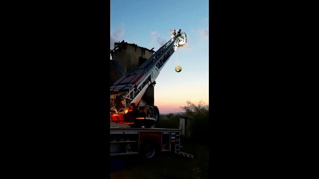 Incendiu izbucnit la o biserică monument istoric din Alba. Care sunt pagubele