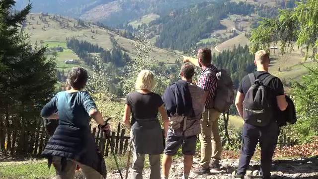 Zona din România care atrage turiștii ca un magnet. Reacția unei femei venită din Franța - Imaginea 4