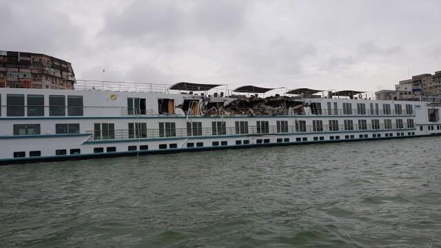 O navă de croazieră s-a ciocnit cu un cargo pe Dunăre, la Tulcea. Doi oameni la spital - Imaginea 1