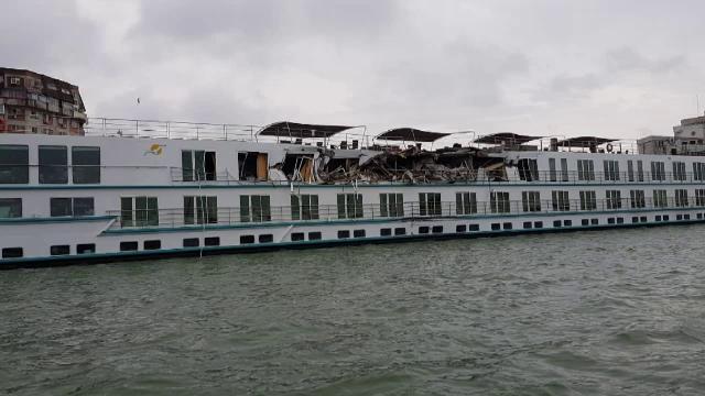 Croazieră de coşmar pe Dunăre, după ciocnirea navei cu un cargo. \